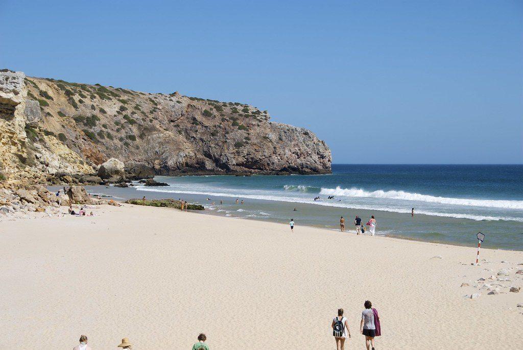 Freikörperkultur in Portugal: die besten FKK-Strände an