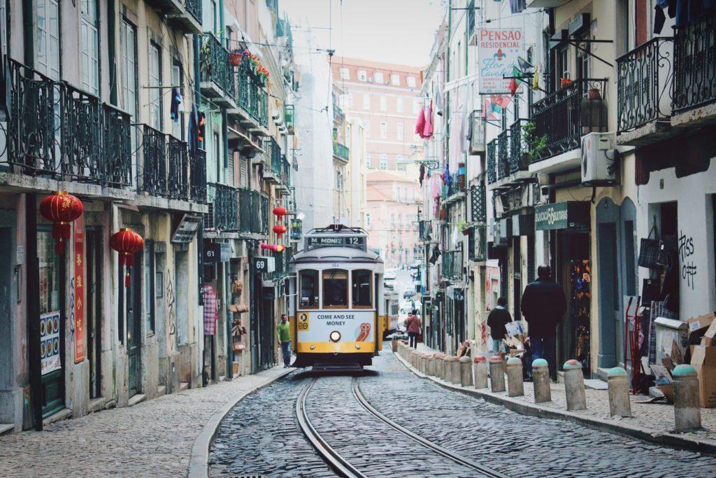 Lissabon-Urlaub-mit-Kindern-Lissabon-Tram