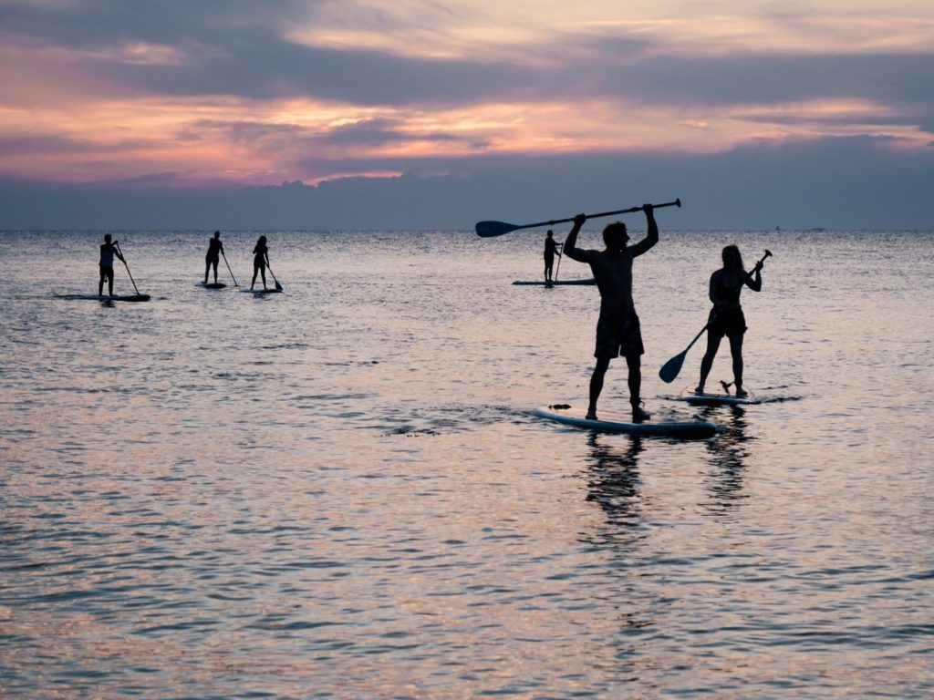 Urlaub-mit-Teenagern-Stand-up-paddle