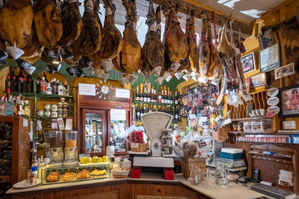 Restaurants-in-Sevilla-Antigua-gabaceria