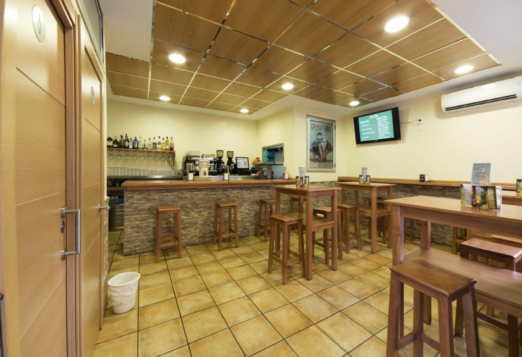 Restaurants-in-Sevilla-Bar-Grana-y-oro