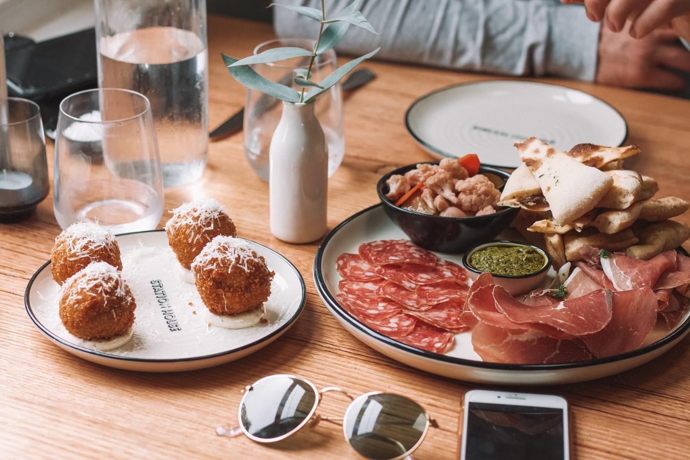Gastronomie-in-Sevilla-Tapas