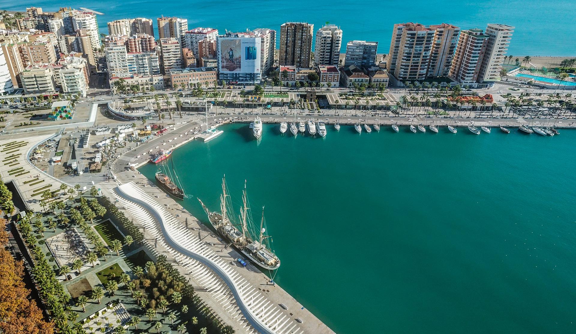 Malaga-mit-Kindern-Hafen
